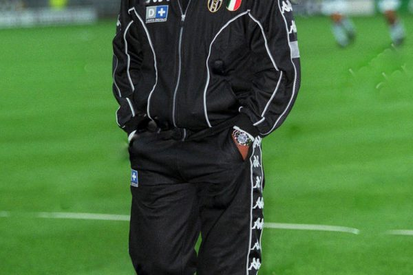 trainer-marcello-lippi-juventus-fc-11-august-1998-hpwjb7